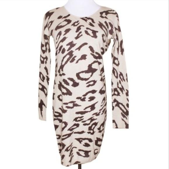 1b66837164d Gianni Bini Dresses   Skirts - Gianni Bini Womens Animal Print Sweater Dress  Q34